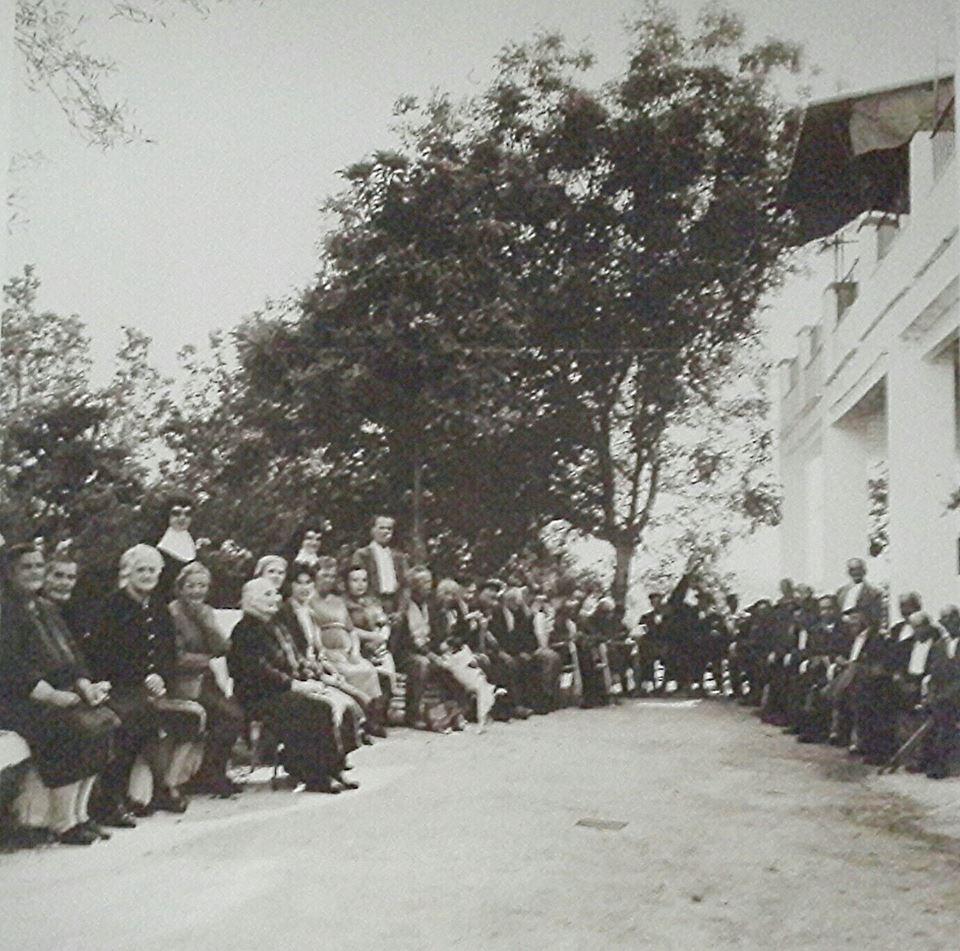 Ancianos acogidos en Santa Marta (asilo de los pobres)