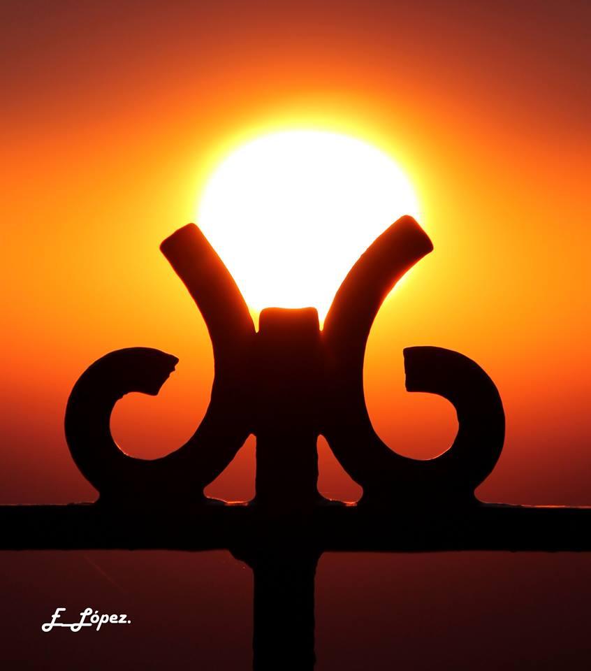 «Sujetando el Sol» Santuario
